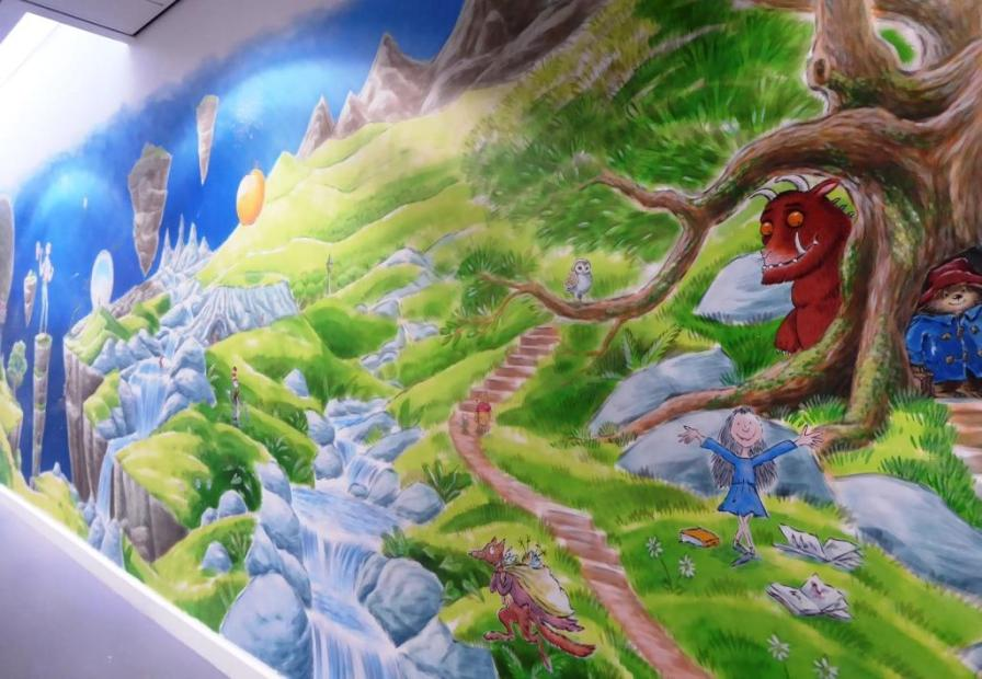 Rory McCann hand painted mural wildlife art school painting (101)